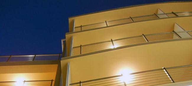 hotel-by-night