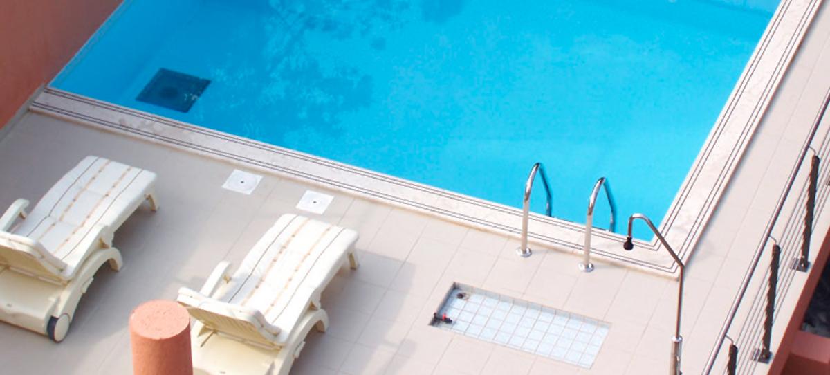 pool-tamaris